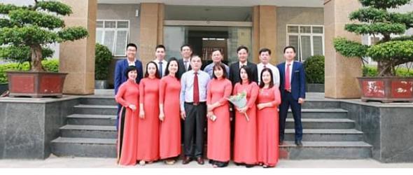 https://kttv.hunre.edu.vn/nhan-luc.html